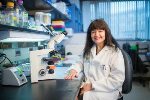 Neurocientífica Maria Castro originaria de Argentina recibe el premio Javits Award para estudiar tumores cerebrales
