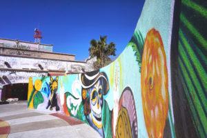 Un colorido mural en el mercado central de Juárez, México. Foto de Shane Donnelly, Taubman College of Architecture and Urban Planning.
