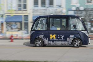 Nuevo vehículo para 15 personas se une a MCity, la ciudadela de coches autónomos