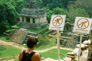El sitio histórico Palenque, en Chiapas, México, es un excelente ejemplo de periodo clásico de la cultura (250 a 900 DC). Crédito imagen: Jason De León.