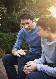 Los niños son más propensos a confesar faltas si creen que los padres reaccionarán positivamente