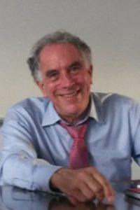 profesor emérito de ciencias políticas en la Universidad de Michigan