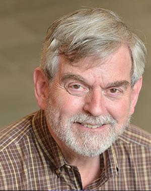 Alan Deardorff, profesor de política pública y economía, es un experto en comercio internacional.
