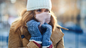 Cuatro maneras de mantenerse a salvo durante esta ola de frío polar, tormenta de nieve