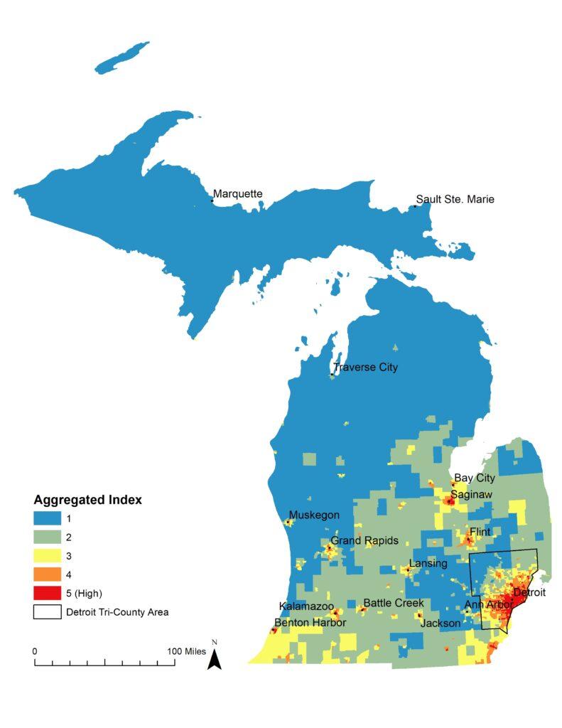 El índice de vulnerabilidad es el promedio de tres factores que pueden contribuir al estrés por calor relacionado con el cambio climático: vulnerabilidades entre personas, lugares y temperaturas proyectadas. Utilizando indicadores que representan las temperaturas proyectadas asociadas con el cambio climático, la vulnerabilidad social y el impacto del paisaje natural y construido, este mapa identifica las secciones censales en Michigan que son más vulnerables al estrés por calor (puntaje de 5) en comparación con las que son menos vulnerables (puntaje de 1).